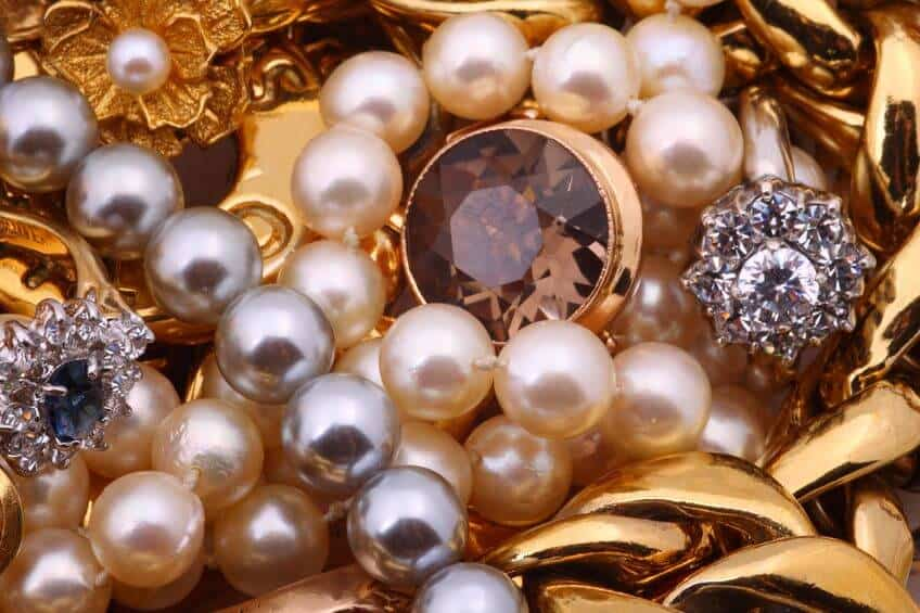 Variety of Pearls for Jewelry.
