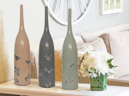 3 Vases with Mother of Pearl